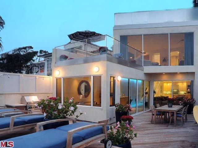 Jim Carrey's Malibu Beach House