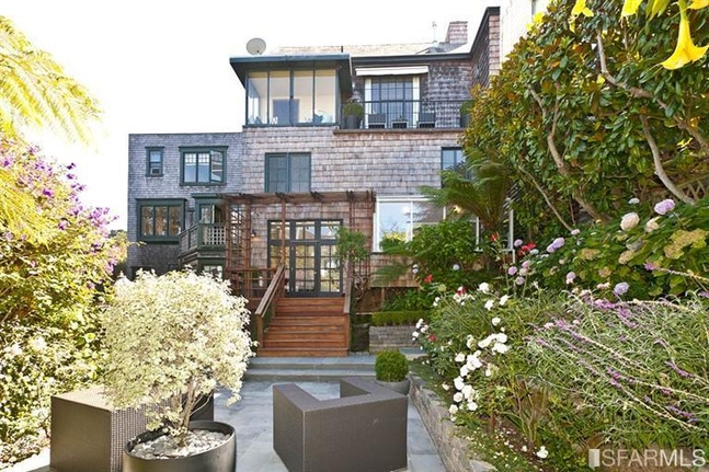 SAN FRANCISCO, California. Great Old Fashioned Shingle House ...