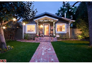 Adorable Bungalow on Venice Walk Street